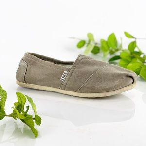 Toms Classic Slip On Flats Beige Neutral Canvas